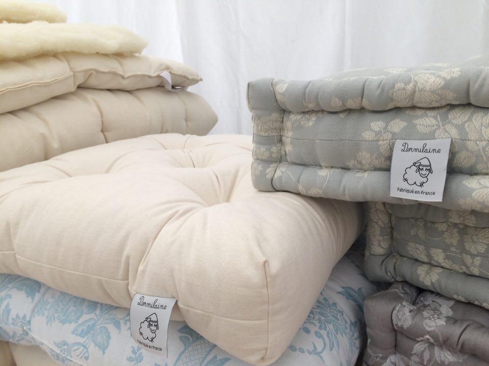 confection d 39 un matelas en laine une op ration en quatre temps dormilaine. Black Bedroom Furniture Sets. Home Design Ideas