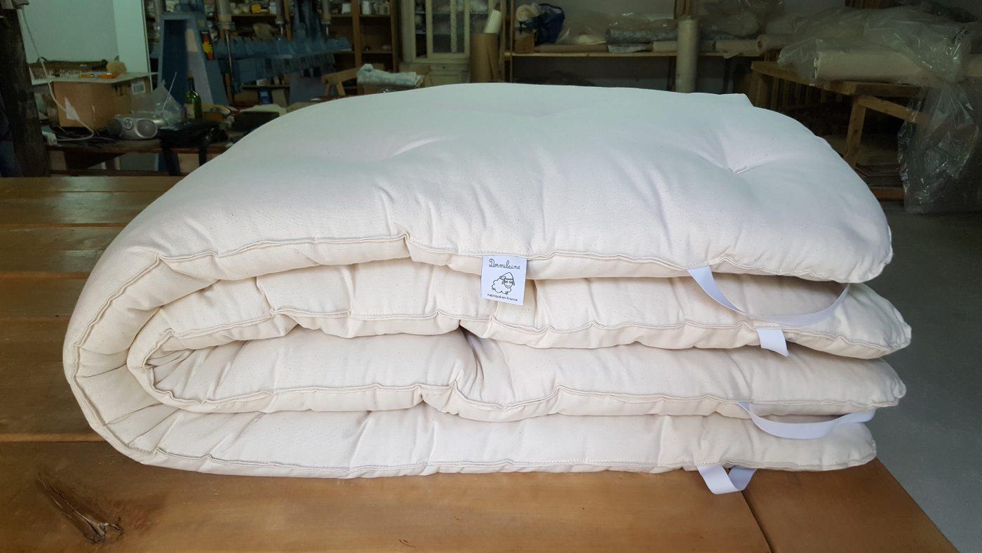 le surmatelas en laine de mouton la promesse d 39 un confort douillet. Black Bedroom Furniture Sets. Home Design Ideas