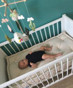 Matelas en laine pour lit bébé